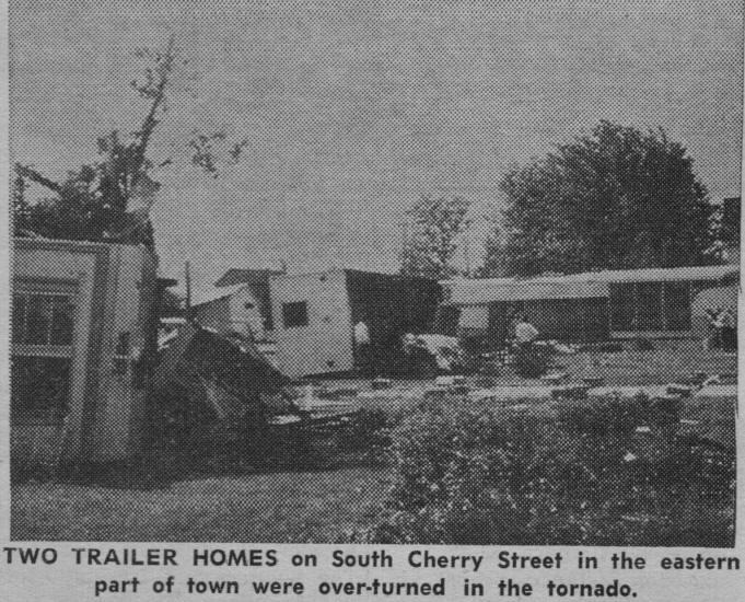 Freeburg, IL   Tornado Damage 681 × 550   104k   Jpg